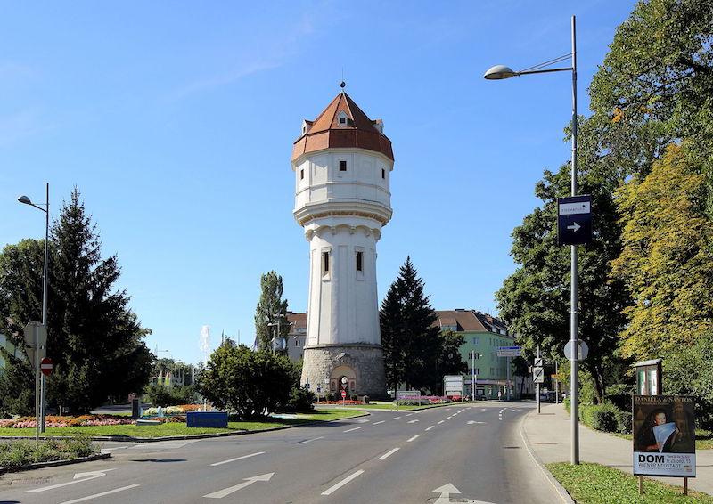 Wiener_Neustadt_-_Wasserturm
